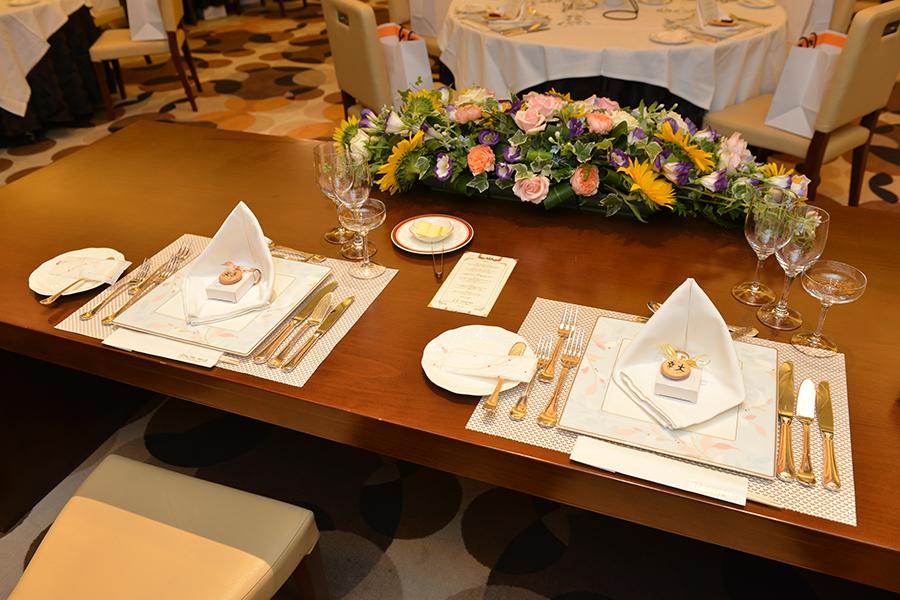 結婚披露宴パーティーの席札